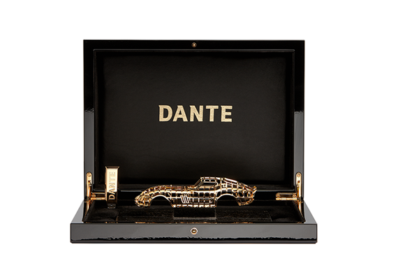 Made of solid silver finished with 24 carat gold.<br />                                 The art piece comes with a piano black lacquered case containing a solid silver USB Stick finished with 24 carat gold, containing the certificate and a number of videos of Dante`s artwork<br />                                                                Comes in a special transport case